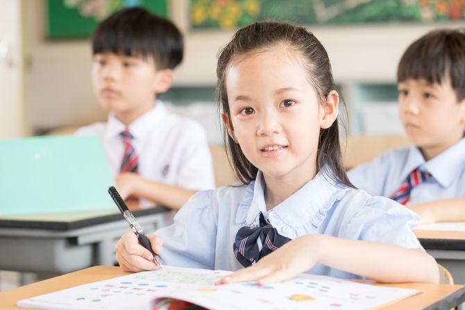 怎么让孩子上课跟着老师思路走